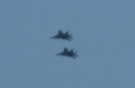 奈良基地祭の事前飛行で戦闘機が精華町上空を通過